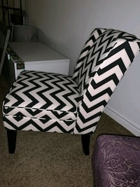white and black chevron print padded chair