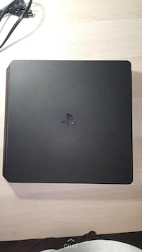 Ps4+ps plus+ 17 games+ 1 controller