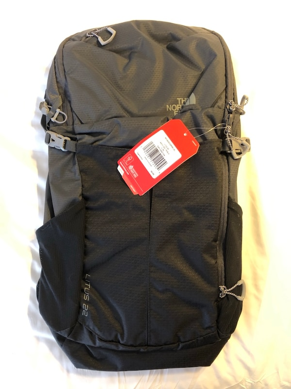 BRAND NEW The North Face Litus 22 Exploration Backpack ddb01678-27d0-4bfd-8b8a-e7d8369b585f