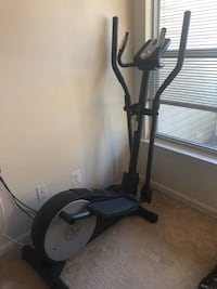 Like-New Gold's Gym Elliptical Clifton, 20124
