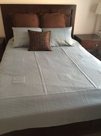 Full/queen quilted coverlet with shams San Jose, 95134