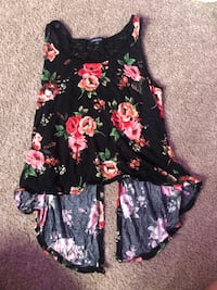 Tank top small opens in back Redding, 96003