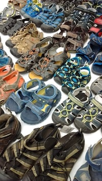 (76) Sandals for boys from $5