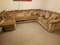 Large Sectional with Pull Out Bed Woodbridge, 22192
