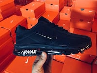 unpaired black Nike Air Max shoe San Diego, 92105