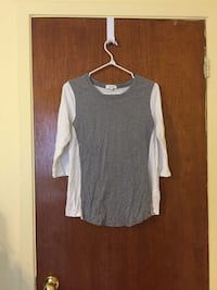 Babaton (Aritzia) long sleeve. Size medium Montréal, H8N 1G7