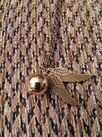 STAINLESS STEEL GOLD BALL WITH 2 WINGS NECKLACE