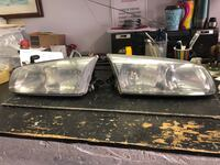Pair of vehicle taillights for Toyota 99-02 Arlington, 22209