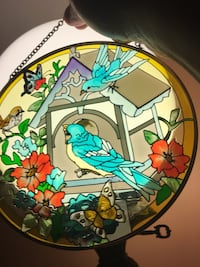 TWO BIRDS IN STAINED GLASS VINTAGE SUNCATCHER CIRCLES BIRDS. Melville, 11747