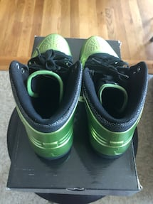 Air jordan 1 green foam size 9.5