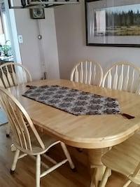 brown wooden windsor 7 piece table set Guelph, N1K 1E7