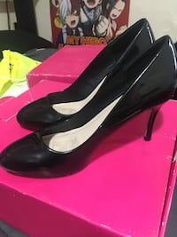 Black high heels size 8 North Providence, 02911