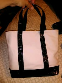 black and white leather tote bag Woodbridge Township, 07067