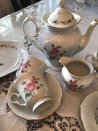 Dinnerware / tea set for 8 persons Торонто, M9R 1R7