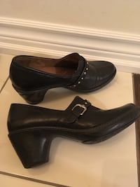 Pair of black shoes 71/2 size Toronto, M4A 2Y3
