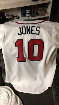 Authentic Cipper Jones Jersey size small which is big on me Alexandria, 22309