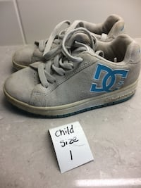 Running shoes child size 1 London, N6M