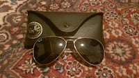 RayBan with case Vancouver, V6M 3K1