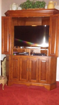 Entertainment Center Lancaster