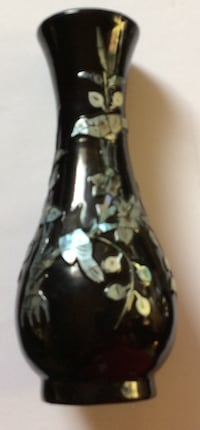 Antique chinese wooden vase with shells design Glendale