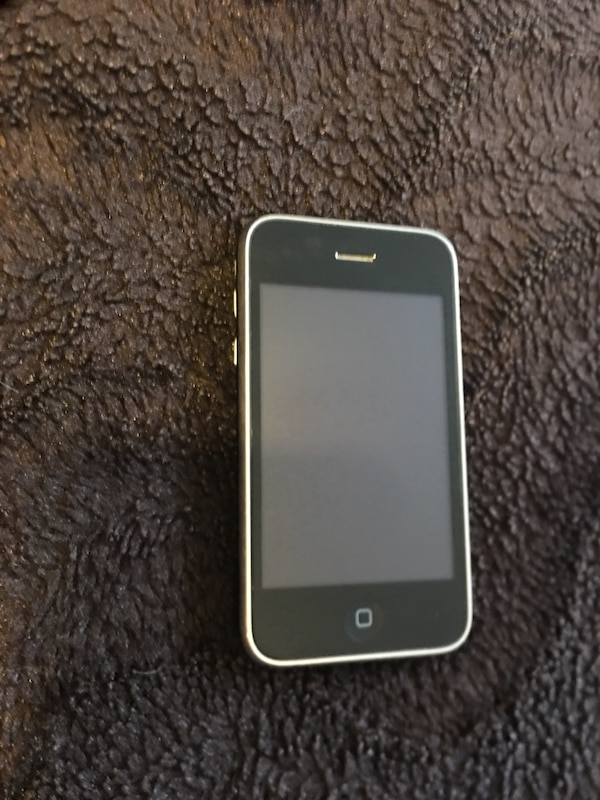 Apple iPhone 3GS AT&T 8GB Jet Black
