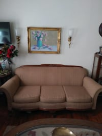 Antique couches  Lubbock, 79414