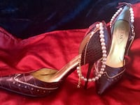 GUESS BY MARCIANO, elegant stilettos-Great for the holidays!