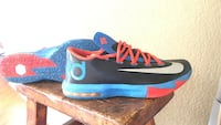 pair of blue-and-pink Nike Kevin Durant basketball shoes Parker, 80134