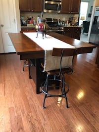 ACCOKEEK MD!! Two tone kitchen table with storage and two chairs Accokeek, 20607