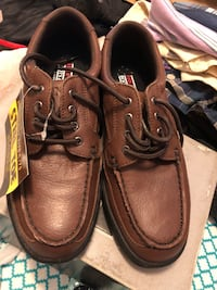 Pair of brown leather shoes brand new Kansas City, 64155