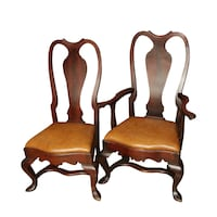 A PAIR OF BEAUTIFUL ANTIQUE QUEEN ANNE MAHOGANY DINING CHAIRS Lakewood