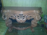 Very nice unique rose sofa table Lithia Springs, 30122