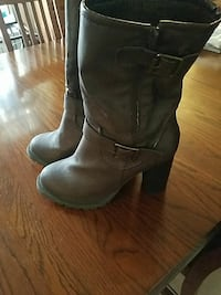 pair of brown leather boots Killeen, 76549