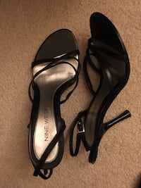 Black open toed strappy heels  10 mi
