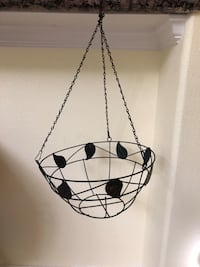 Metal hanging black iron planter with leaf design Katy, 77494