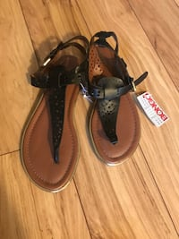 New-Womans size 8 Winton, 95388