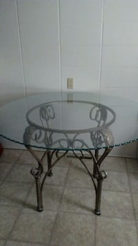 Beautiful Dinning Table Negotiable Omaha, 68114