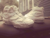 pair of white Nike basketball shoes Providence, 02908