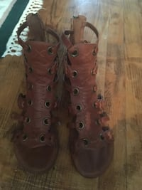 Fergie leather gladiator sandals size 8.5 Oakville, L6H 1Y4