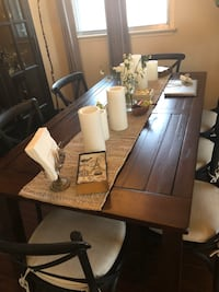 Pottery Barn Dining Table (Chairs are not for sale) 551 km