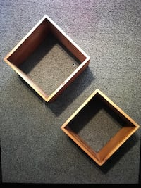 2 Square Shelves