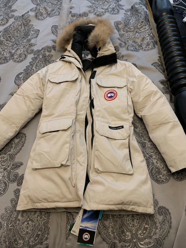 BNWT Off White CANADA GOOSE zip-up jacket - Ladies XS 9498df95-73cd-4f1f-864d-7f68175e7150