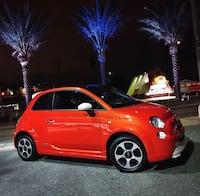 Fiat - 500e - 2014 electric. Was $42000 new. Rare. Only made in California and Oregon. Must see!!! Mint low km   Langford, V9B 0L2