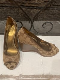 Coach Wedge Shoes Size 7 Lilburn, 30047