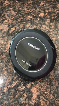black Samsung Fast Charge charging pad