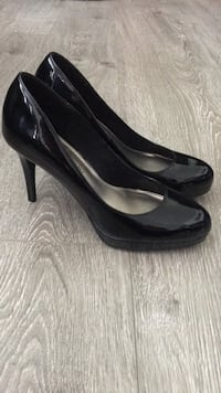 Christian Siriano for Payless heels - size 8 Port Coquitlam, V3B 1N8