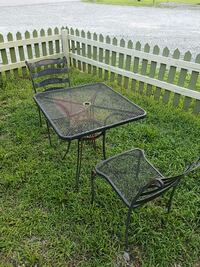 Outdoor table with 2 chairs High Point