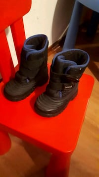 pair of black Nike basketball shoes Montréal, H1A 3W8