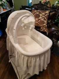 baby's white and gray bassinet Baltimore, 21224