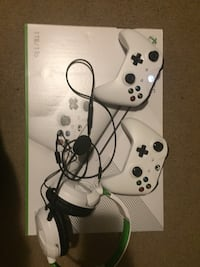 XBOX ONE S W/ HEADSET AND TWO CONTROLLERS + GAMES Oakville, L6H 4C6